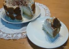 עוגת גבינה, שוקולד לבן, קפה וקלואה עם בישקוטים תוצרת בית